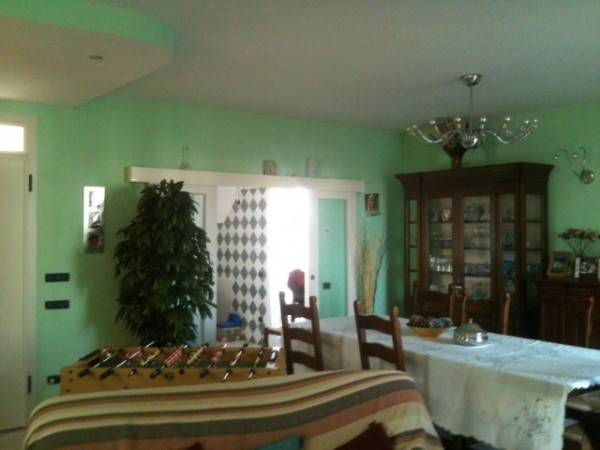 Casa indipendente in Vendita a Russi Centro: 5 locali, 200 mq
