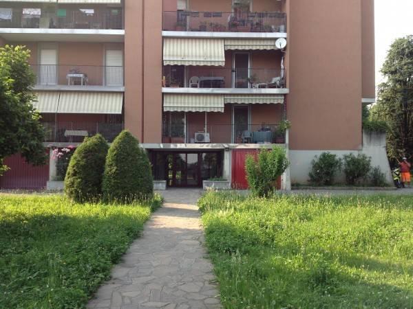 Appartamento in buone condizioni in affitto Rif. 4401061