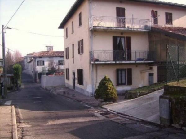 Appartamento in vendita a Montorfano, 3 locali, prezzo € 60.000   CambioCasa.it