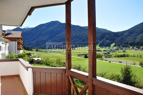 Appartamento in buone condizioni parzialmente arredato in vendita Rif. 4360590