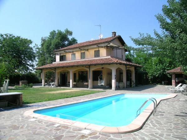 Rustico / Casale in vendita a Portacomaro, 3 locali, prezzo € 350.000 | CambioCasa.it