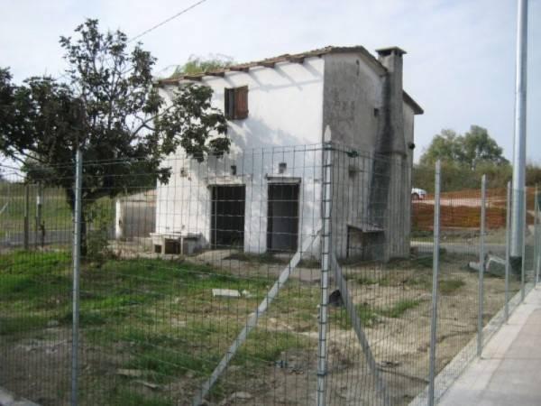 Casa Indipendente da ristrutturare in vendita Rif. 4938078