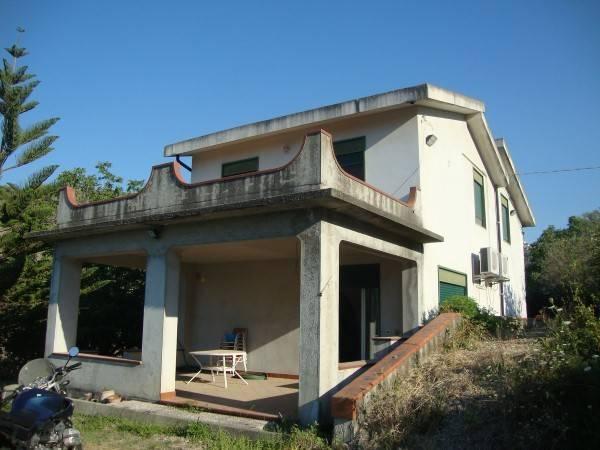 Villa in Vendita a Valdina Periferia: 5 locali, 160 mq