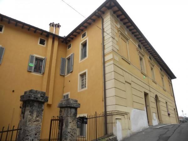 Appartamento in Vendita a Chiusi Centro: 4 locali, 115 mq