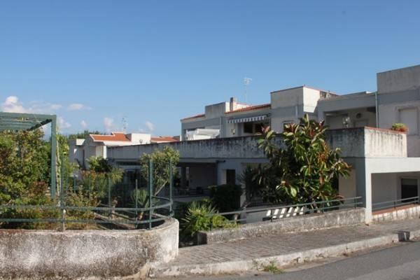 Appartamento in buone condizioni arredato in vendita Rif. 4300690