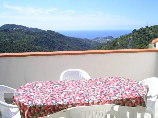 Appartamento in vendita a Perinaldo, 3 locali, prezzo € 89.000 | PortaleAgenzieImmobiliari.it