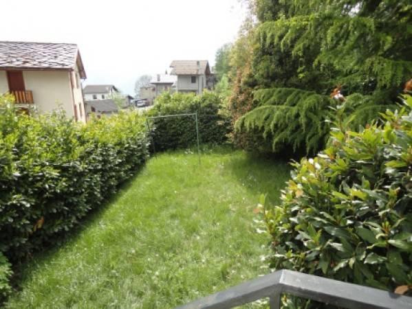 Villa in vendita a Challand-Saint-Anselme, 5 locali, prezzo € 250.000 | PortaleAgenzieImmobiliari.it