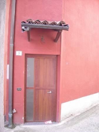 Appartamento in buone condizioni in vendita Rif. 4949908