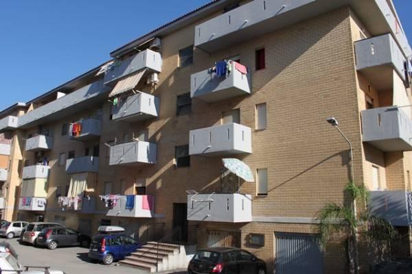 Appartamento in buone condizioni arredato in vendita Rif. 4300824