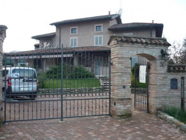 Villa in vendita a Sarezzano, 4 locali, prezzo € 400.000 | CambioCasa.it
