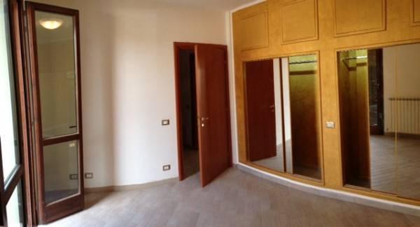Appartamento parzialmente arredato in affitto Rif. 7336982