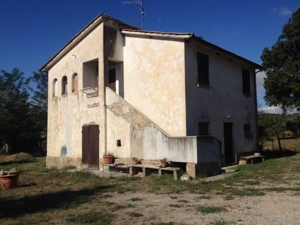 Rustico / Casale in buone condizioni arredato in vendita Rif. 4895859