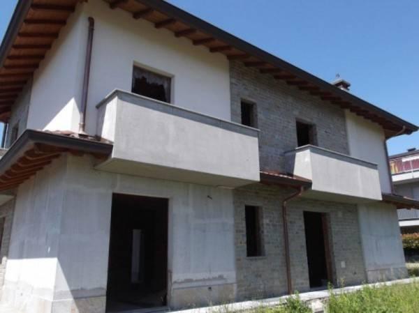 Villa a Schiera in vendita a Arosio, 3 locali, prezzo € 285.000 | PortaleAgenzieImmobiliari.it