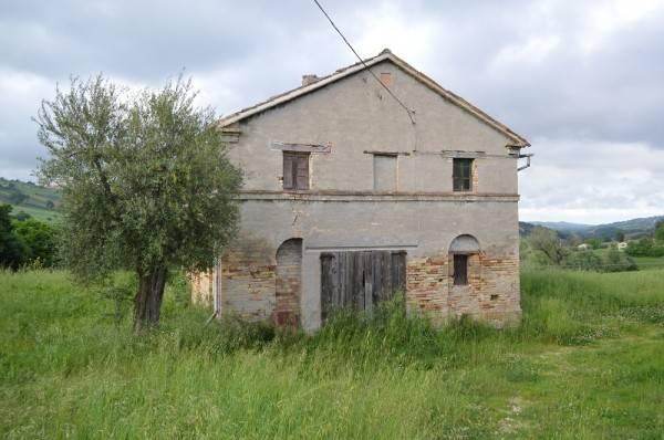 Rustico / Casale da ristrutturare in vendita Rif. 4274072