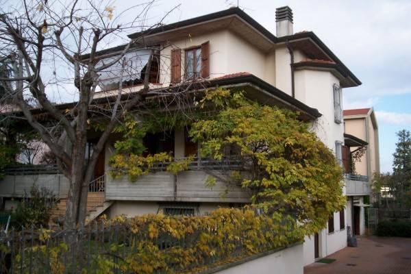 Villa in buone condizioni parzialmente arredato in vendita Rif. 4807641