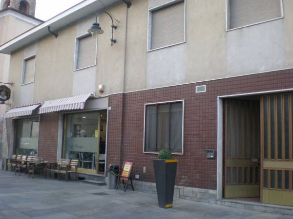 Appartamento in buone condizioni arredato in vendita Rif. 4248397
