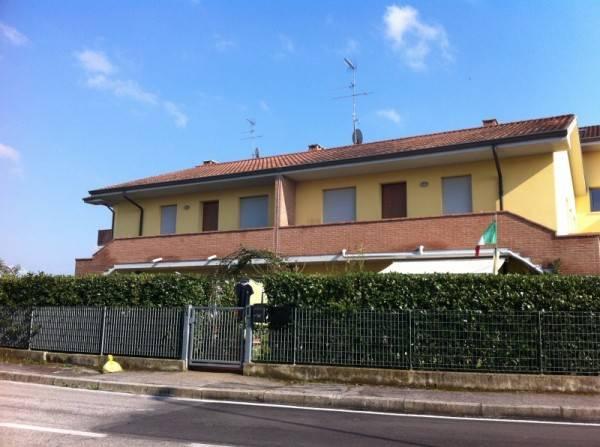 Appartamento in buone condizioni in vendita Rif. 4229047