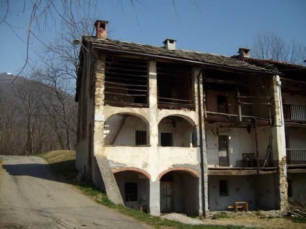 Rustico / Casale da ristrutturare in vendita Rif. 4924388