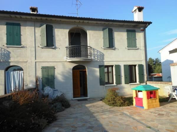 Casa Indipendente in ottime condizioni in vendita Rif. 4535575