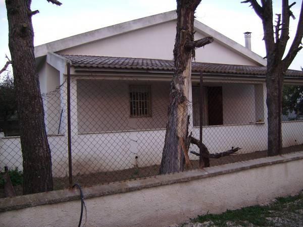 Casa Indipendente in buone condizioni in vendita Rif. 8559755