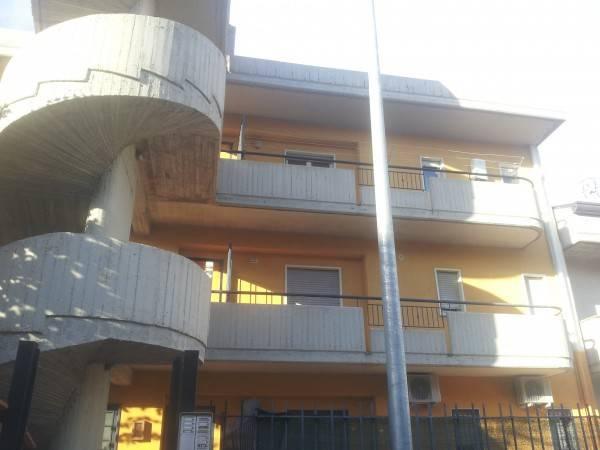 Appartamento in ottime condizioni arredato in affitto Rif. 4888541