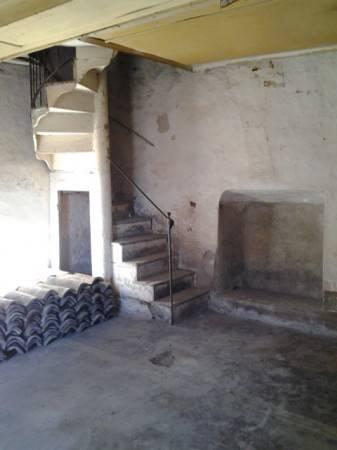 Rustico / Casale da ristrutturare in vendita Rif. 4473597