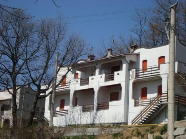 Appartamento in buone condizioni arredato in vendita Rif. 4910438