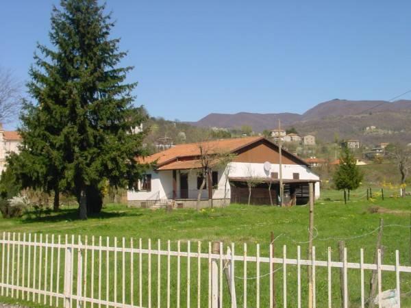 Villa in vendita a Filattiera, 9 locali, prezzo € 240.000 | PortaleAgenzieImmobiliari.it