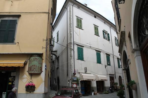 Appartamento in vendita a Pontremoli, 9 locali, prezzo € 430.000 | PortaleAgenzieImmobiliari.it