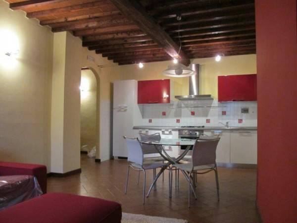 Appartamento in Affitto a Pistoia Centro: 2 locali, 70 mq