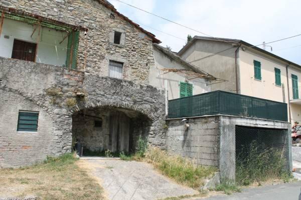 Soluzione Indipendente in vendita a Pontremoli, 4 locali, prezzo € 60.000 | PortaleAgenzieImmobiliari.it