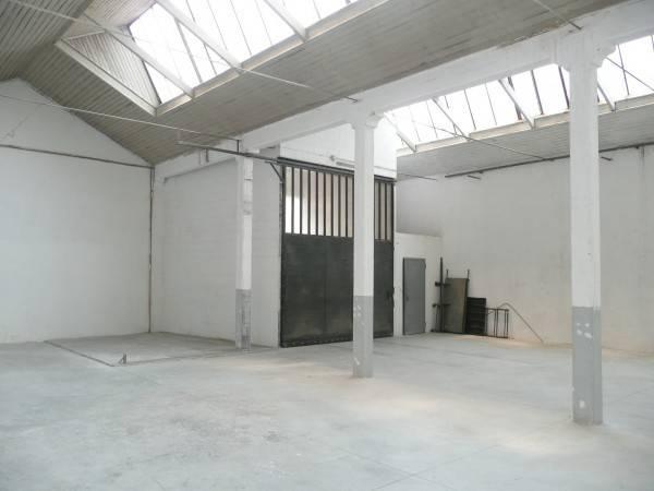 Capannone Industriale in vendita a Legnano-https://res.getrix.it/media/ad/39687336/1/xs.jpg
