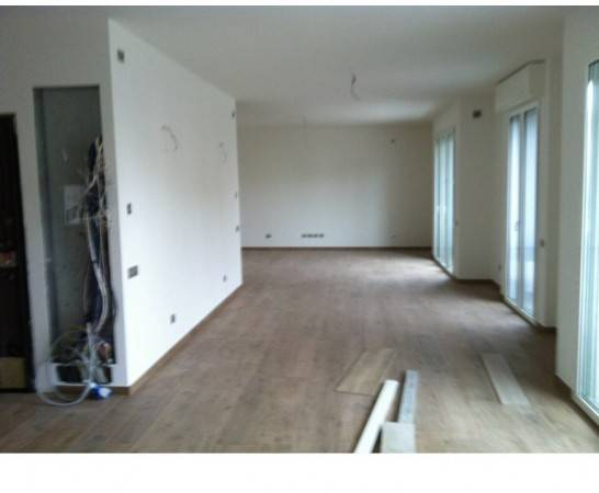 Appartamento in Vendita a Ravenna Semicentro: 5 locali, 201 mq