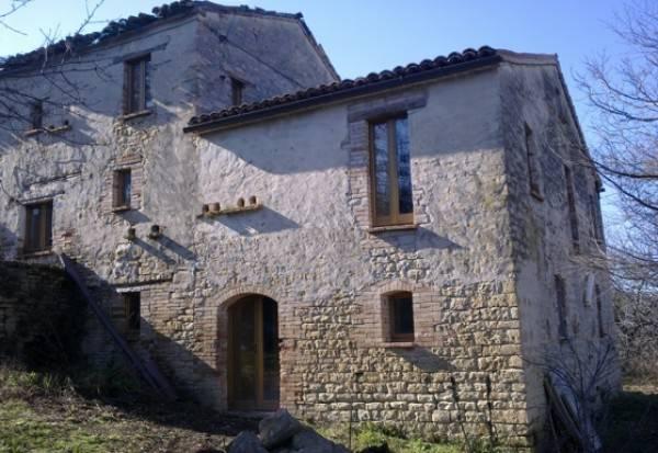 Rustico / Casale da ristrutturare in vendita Rif. 4227997