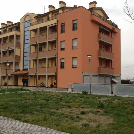 Appartamento in buone condizioni arredato in vendita Rif. 8465101