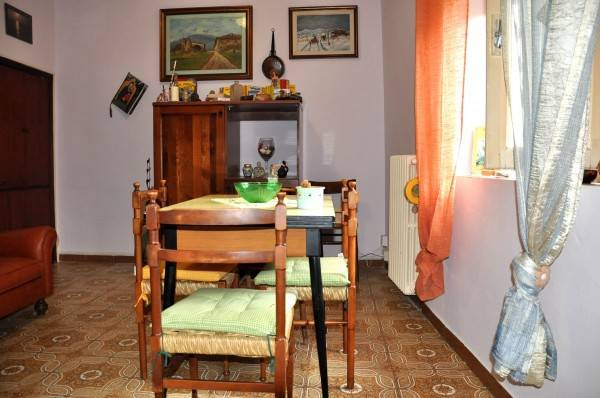 Appartamento in buone condizioni arredato in vendita Rif. 4919110