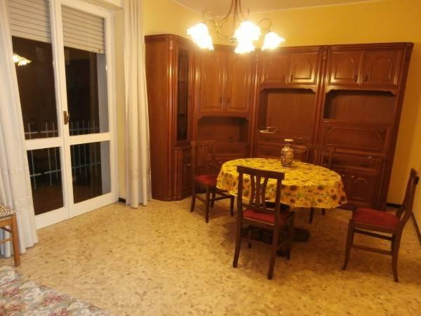 Appartamento in vendita a San Donato Milanese, 3 locali, prezzo € 160.000 | CambioCasa.it