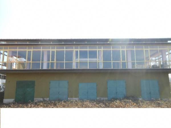 1349/VAIRANO PREZZO RIBASSATO Locale commerciale al piano terra di mq 310 nella zona mercato a Vaira Rif. 4202318