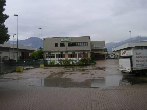 Negozio / Locale in vendita a Ivrea, 6 locali, prezzo € 260.000 | CambioCasa.it