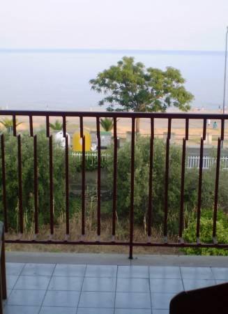 Appartamento in buone condizioni arredato in affitto Rif. 4980987