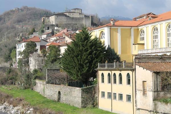 Appartamento in vendita a Pontremoli, 5 locali, prezzo € 250.000 | PortaleAgenzieImmobiliari.it