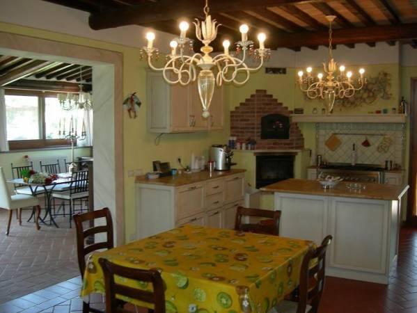 Villa in Vendita a Terricciola Periferia: 5 locali, 250 mq