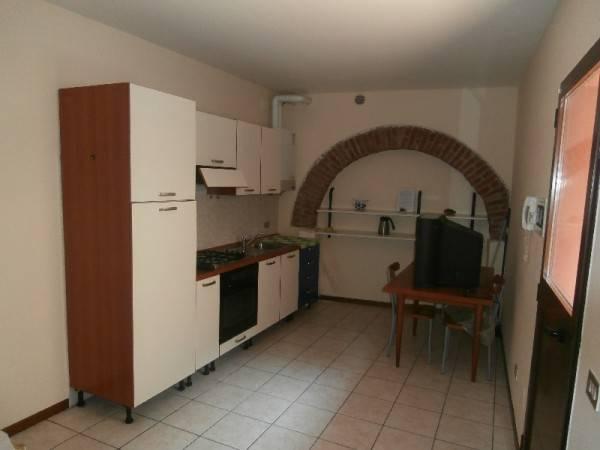Appartamento in buone condizioni arredato in affitto Rif. 5004207