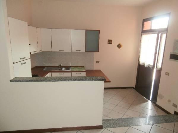 Appartamento in buone condizioni arredato in affitto Rif. 5004206