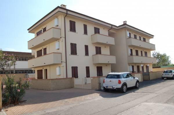 Appartamento parzialmente arredato in vendita Rif. 7336991
