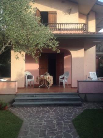 Appartamento in buone condizioni arredato in vendita Rif. 8817378