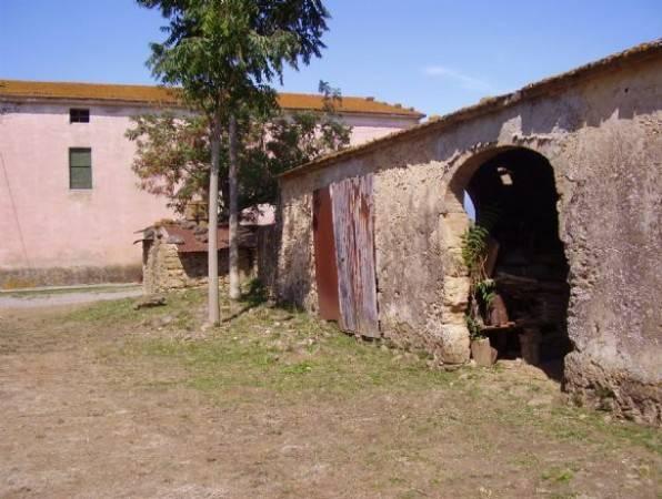 Rustico / Casale da ristrutturare in vendita Rif. 4585700