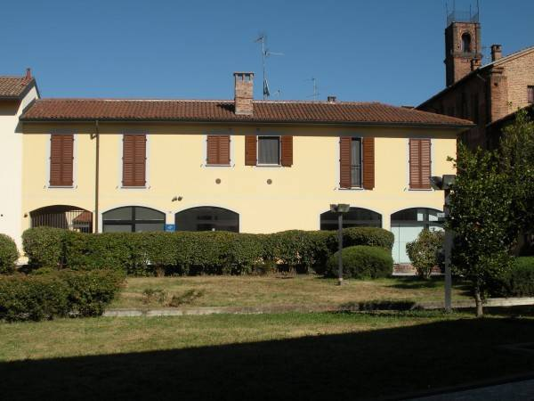 Appartamento in ottime condizioni arredato in affitto Rif. 8201270