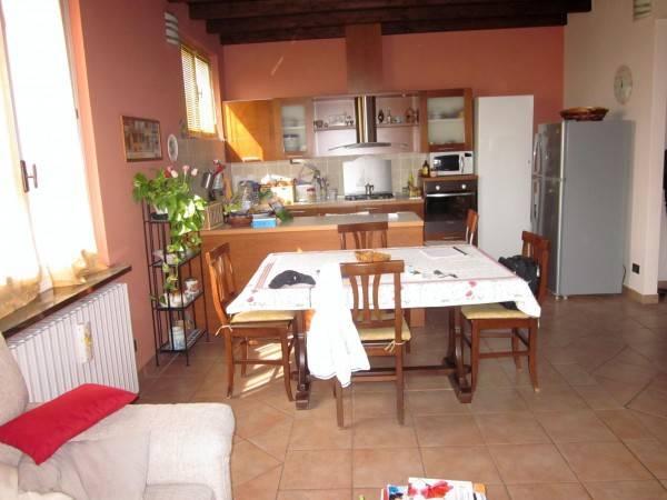 Appartamento in vendita a Gavirate, 3 locali, prezzo € 135.000   PortaleAgenzieImmobiliari.it
