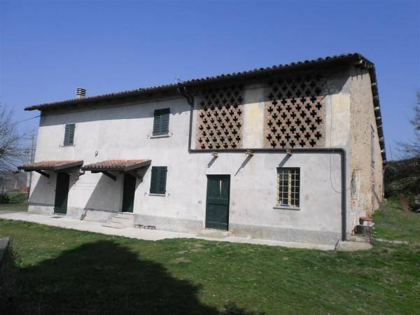 Rustico / Casale in vendita a Bruno, 6 locali, prezzo € 130.000 | CambioCasa.it